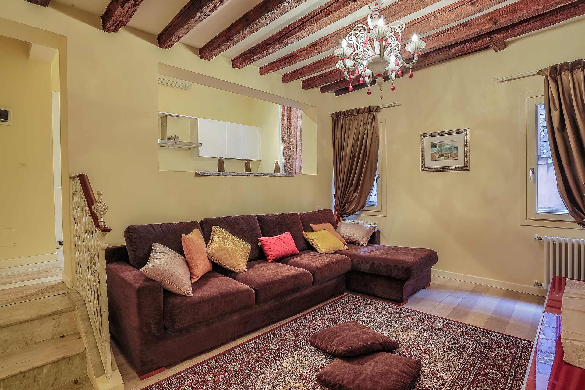 Figaro - Venice Dream House Apartments