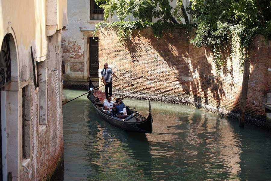 Gondola Experience - Venice Dream House
