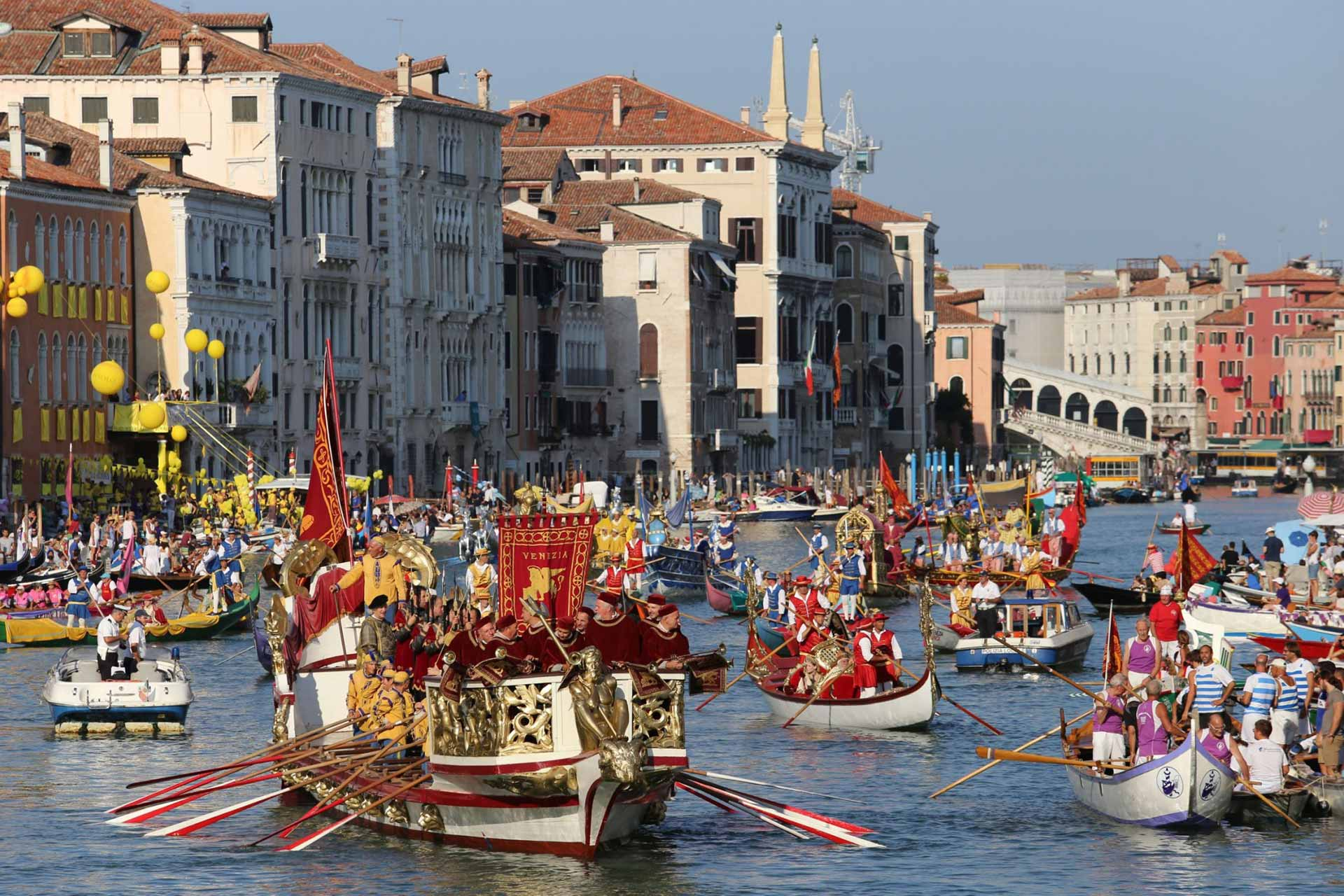 Historical Regatta - Venice Dream House